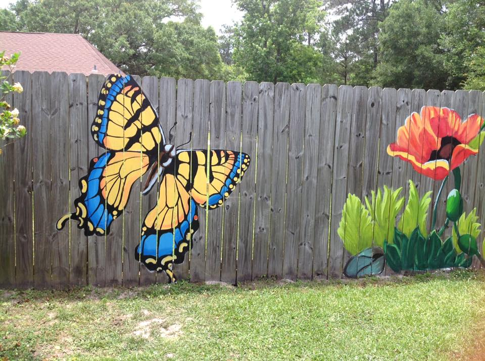 Как раскрасить забор своими руками 86